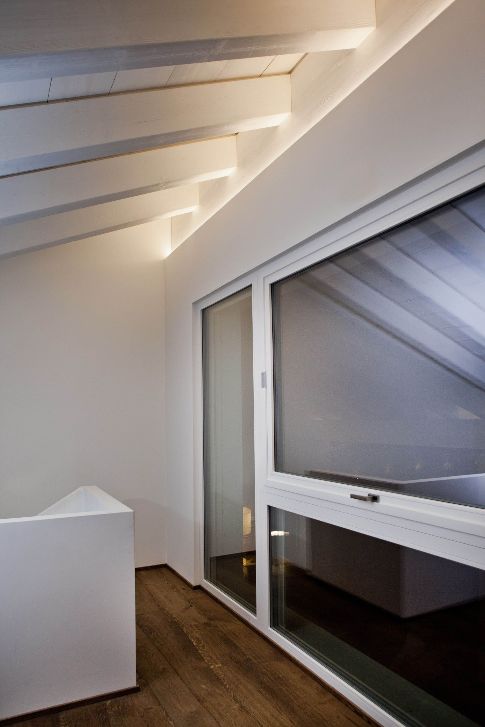 Travi A Vista Illuminazione pin su illuminazione a led di un soffitto con travi a vista