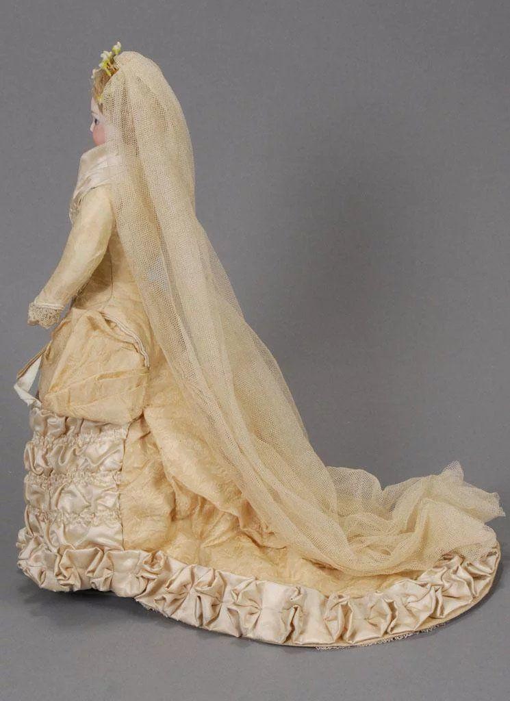 Jumeau Fashion Bride Doll #bridedolls