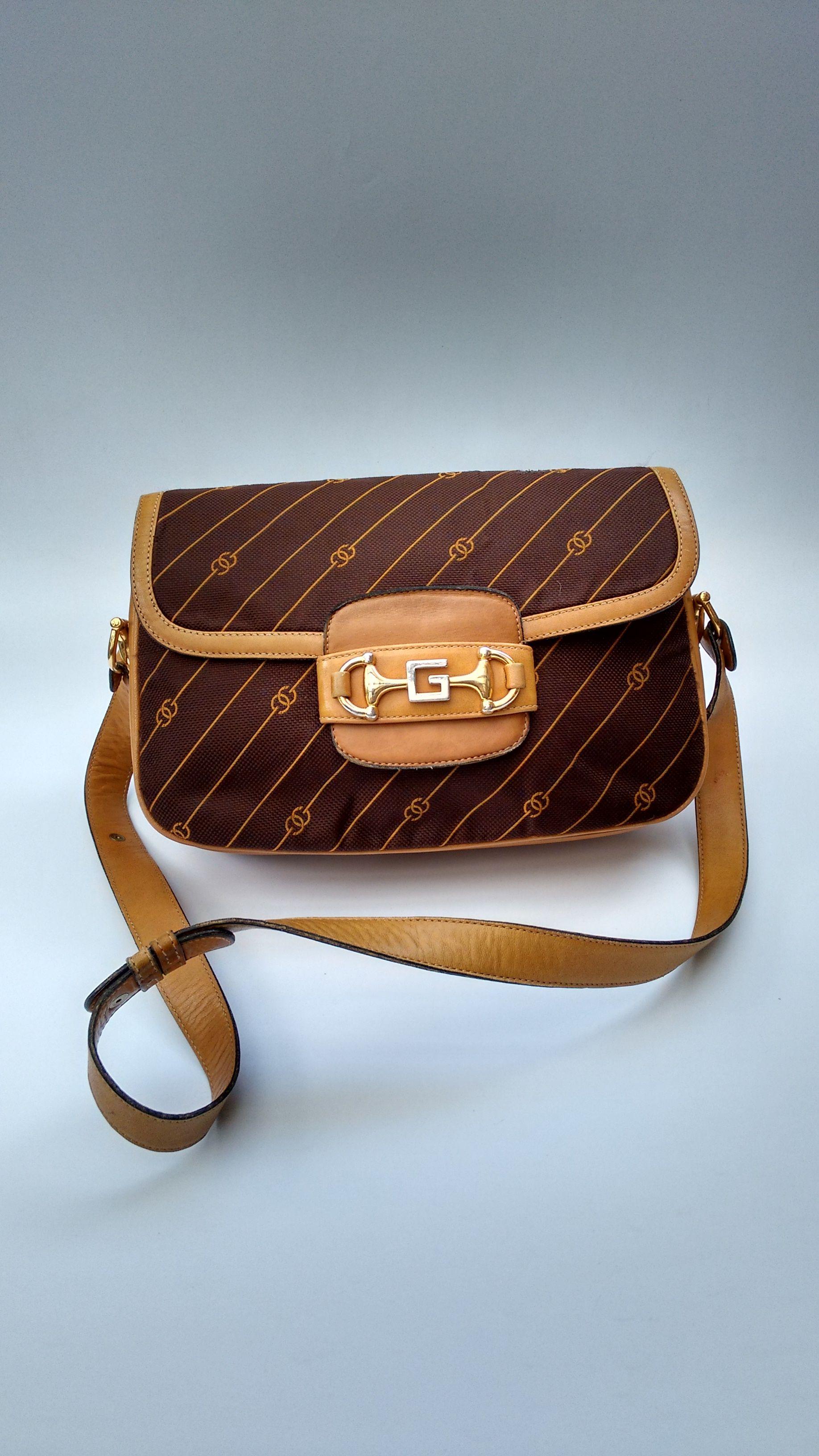 d579e351991 GUCCI Bag. Gucci Vintage Tan Brown Leather Shoulder Bag. Italian Designer  Purse.
