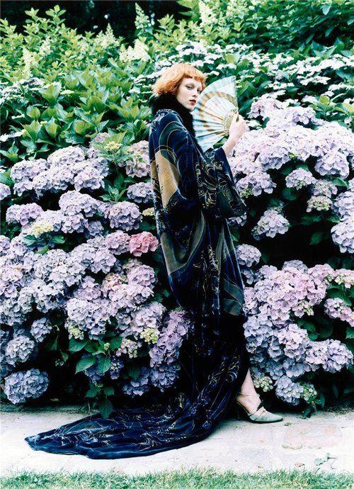 Karen Elson by Ellen von Unwerth, 2000