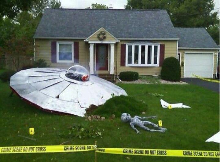 Awesome Halloween decoration, my mother in law would LOVE IT - halloween outside decoration ideas