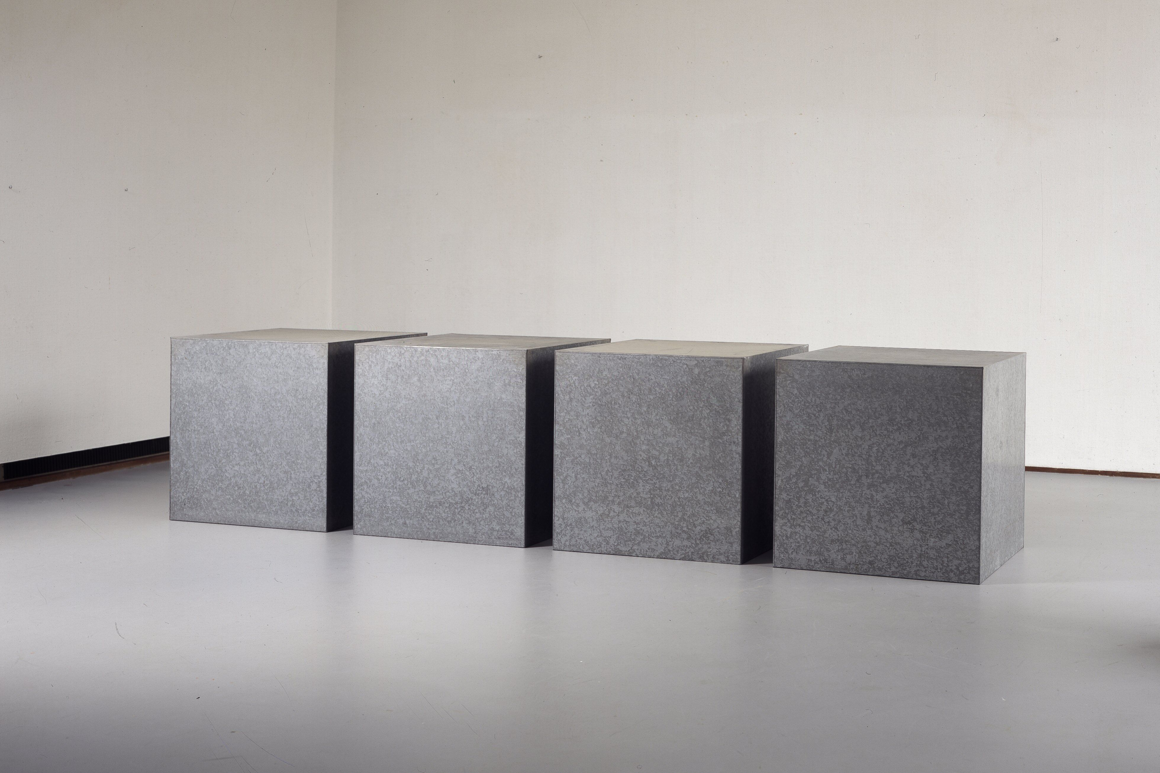 Donald judd galvanized iron 17 january 1973 for Material minimalism