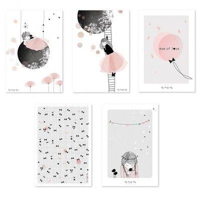 Lot de 5 cartes décoratives romantique fille de lilipinso and co sur decobb graphique et tendance habillez vos murs avec cette jolie carte décorative