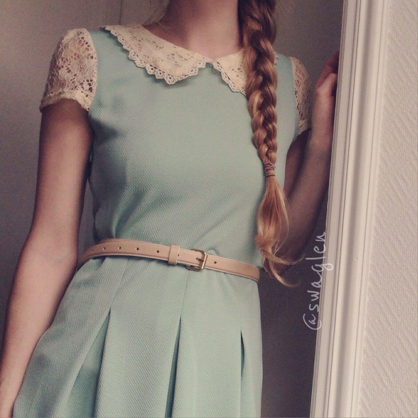 Vestido verde menta floreado