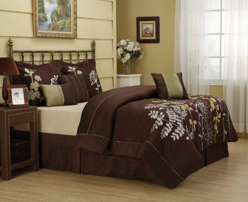 11 Piece Queen Daisey Bed In A Bag Set By Kinglinen 99 99 This Beautiful Bedding Set Features Stems Of Silver And Gree Beautiful Bedding Sets Home Decor Bed