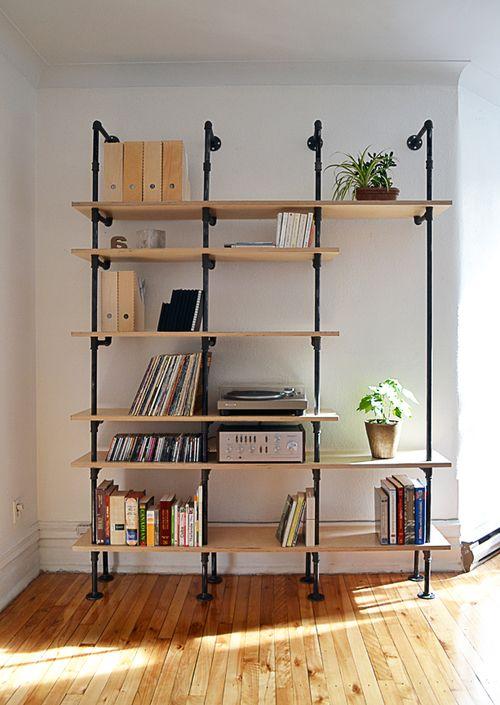 tag re r alisation d 39 une biblioth que de style industriel. Black Bedroom Furniture Sets. Home Design Ideas
