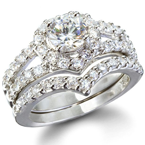 Laurels Heart Shape Faux Diamond Wedding Ring Set Diamond