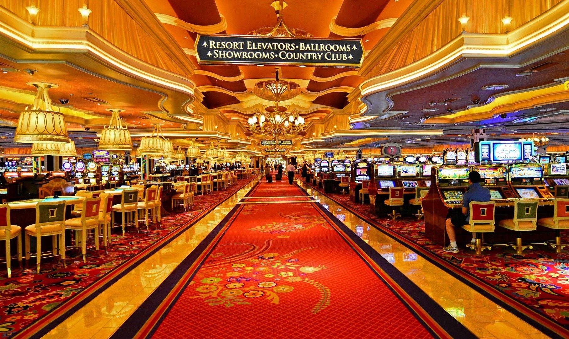 со скольки лет пускают в казино