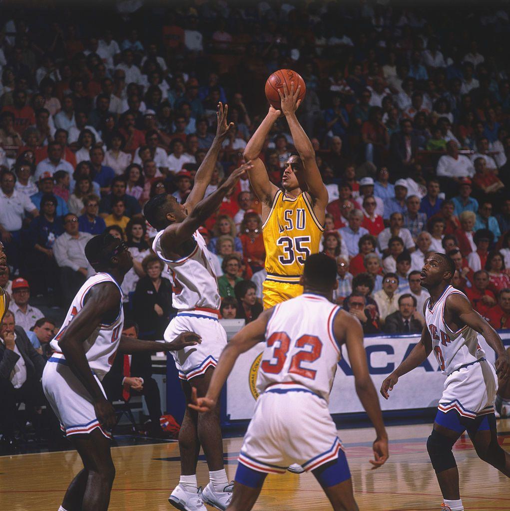 Lsu Player Chris Jackson Makes A Jumpshot Circa The 1980 S During A In 2020 Jackson Chris Lsu