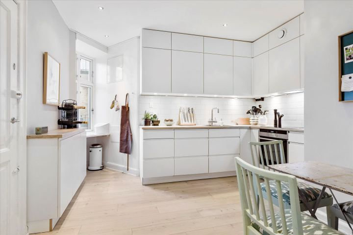 Piso danés moderno, despejado y hogareño Scandinavian and Interiors