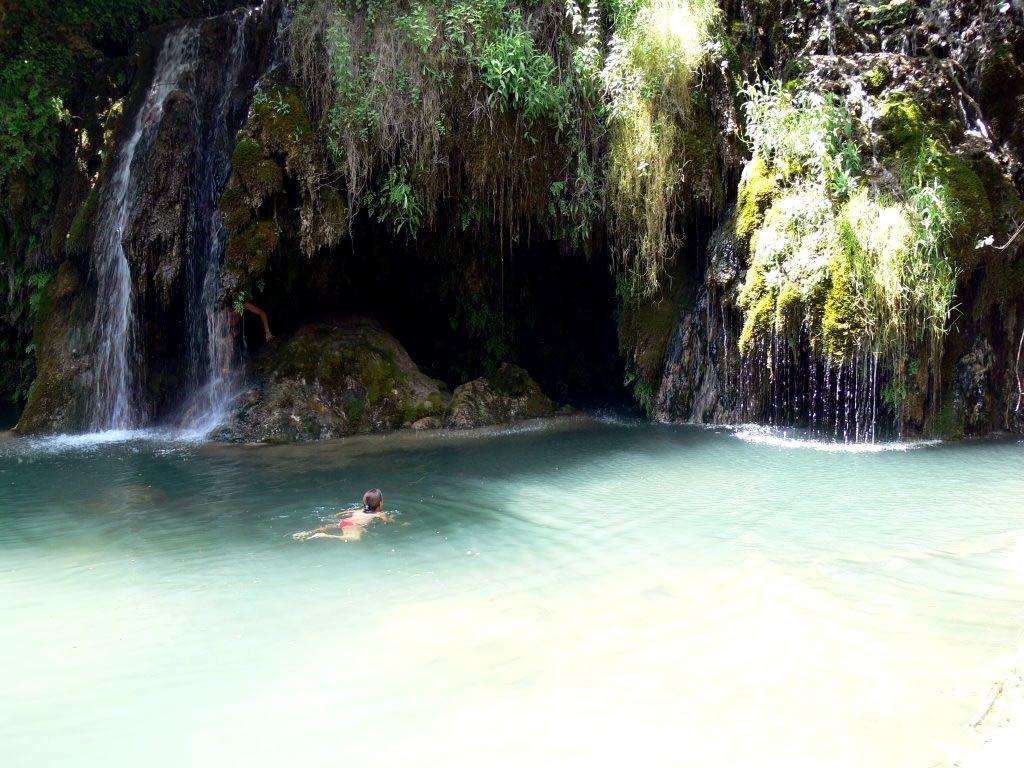 Gorg del mol dels murris en cogolls catalunya for 5 piscinas naturales catalunya