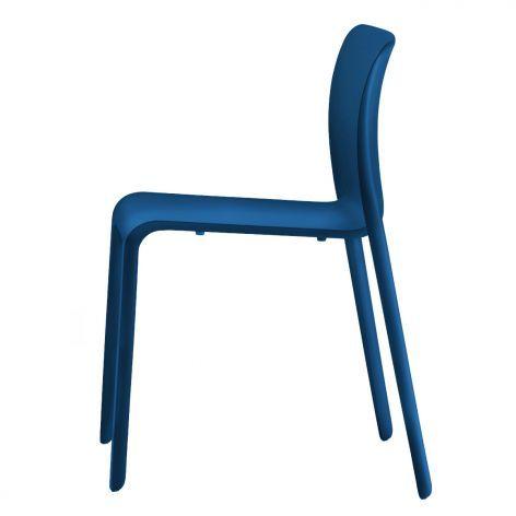 Magis Stuhl Chair First, blau. #Magis #artvoll #TopMarke www.artvoll.de