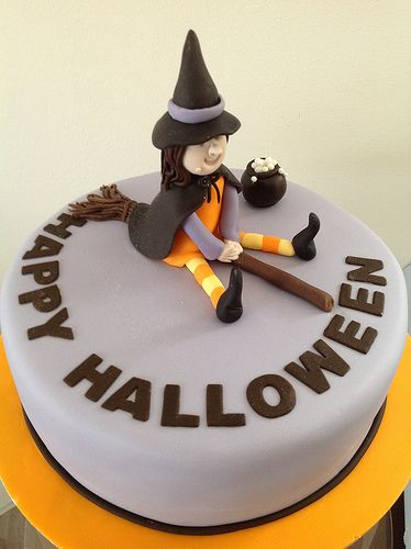 Cute witch halloween cake Halloween cakes and Halloween candy - decorating halloween cakes