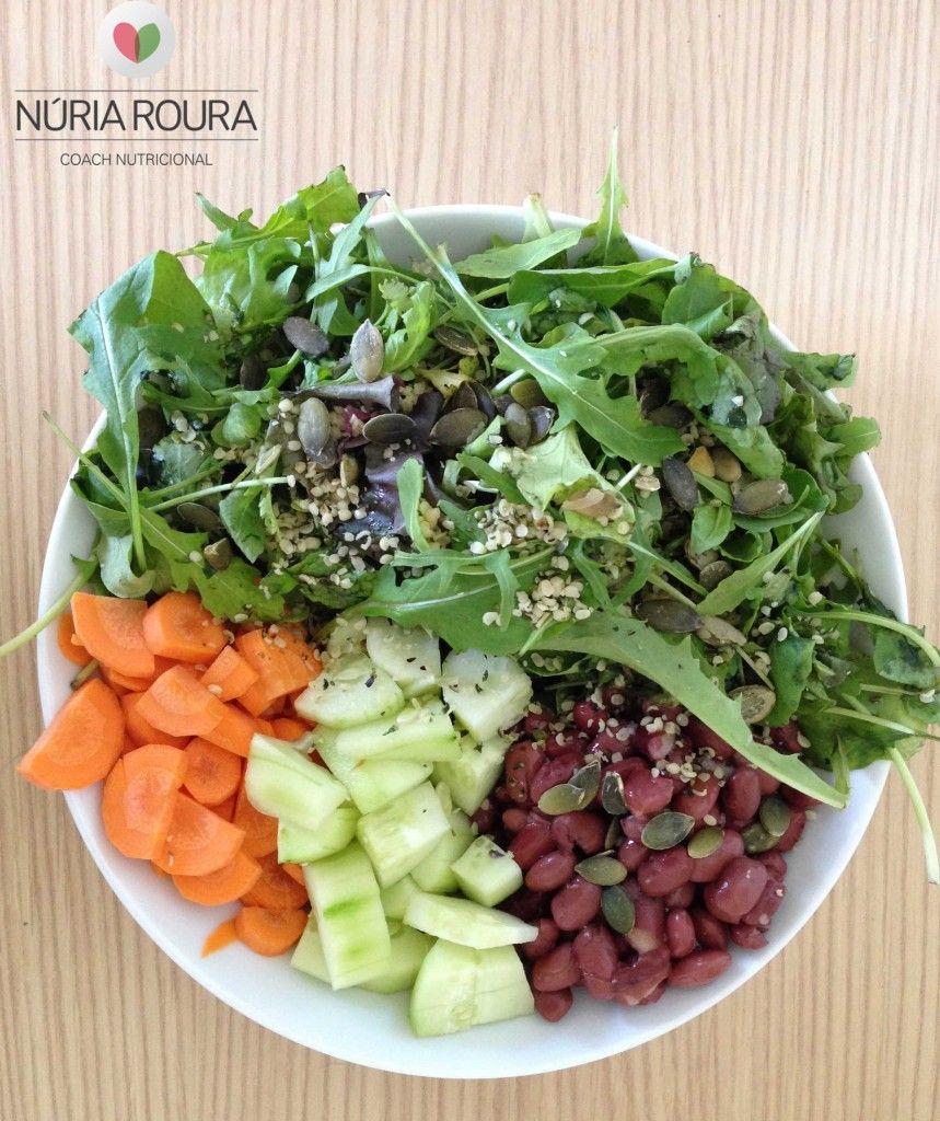 Es un plato muy fácil de preparar saludable, energético y nutritivo. Lo puede tomar cualquier persona y es ideal para una dieta baja en histamina.