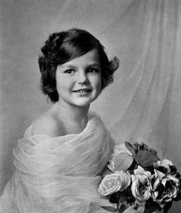 Her Serene Highness Princess Stephanie Of Windisch Graetz 1909 2005 Vintage Family Photos Beauty In Art European Royalty