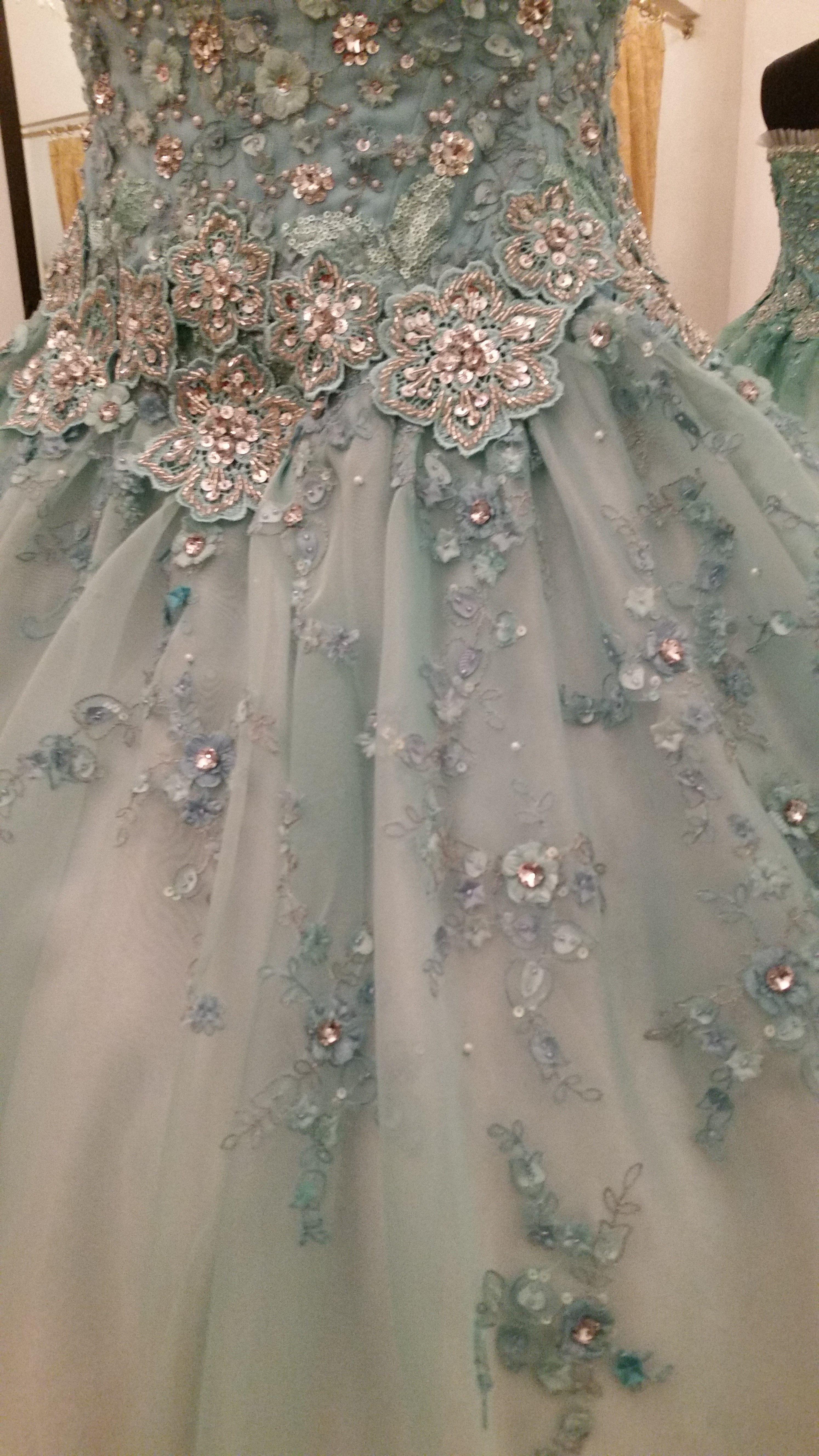 Pacomayorga azul serenity es el color para este dise o for Disenos de faldas