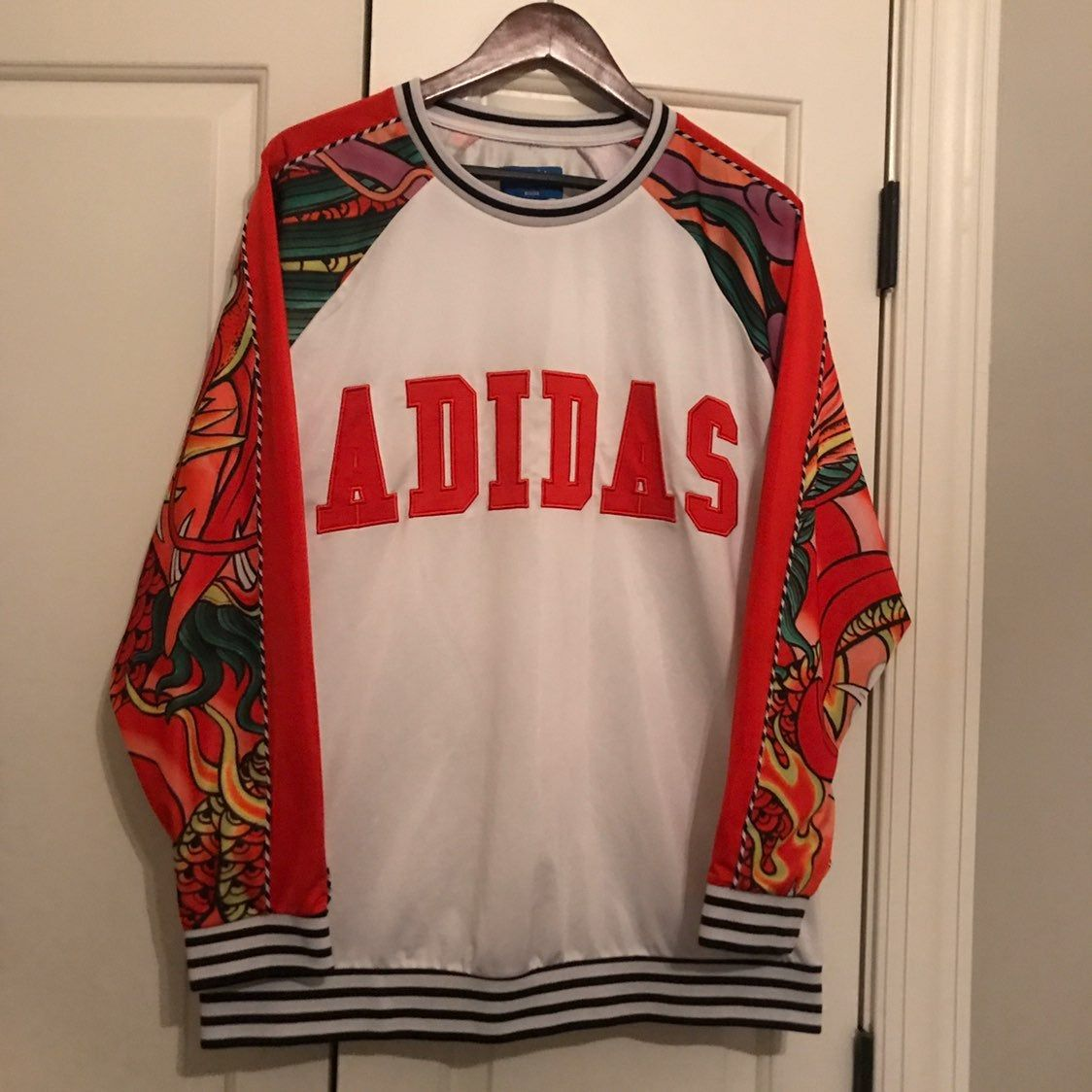Size Xl Has A Few Snags Pinholes And Minor Spots See Pics But Nothing Too Obvious Adidas Crew Neck Swe Adidas Crew Neck Crew Neck Sweatshirt Dragon Print [ 1124 x 1124 Pixel ]