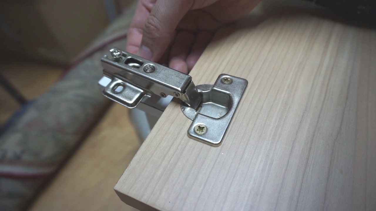 how to install concealed cabinet door hinge on a piece of ...