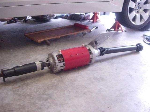 Размещение электродвигателя в разрез карданного вала