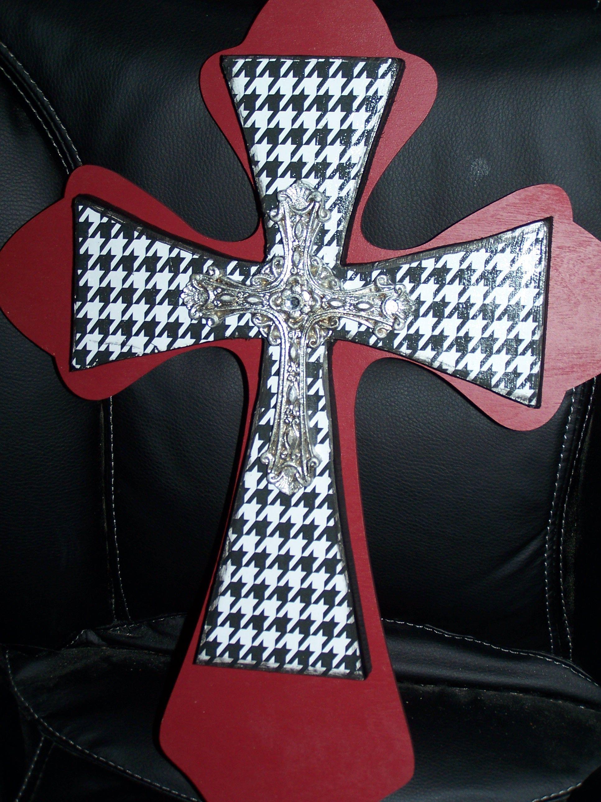 Crimson and Houndstooth Cross Crafts, Crafty, Fun