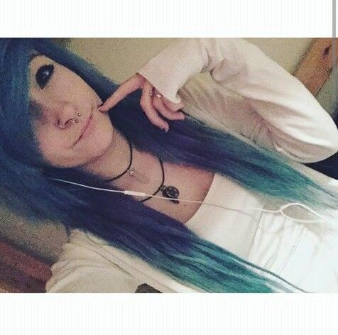 Cool Tattoos That Anyone Can Rock Emo Hairstyles Emo And - Emo girl hairstyle video