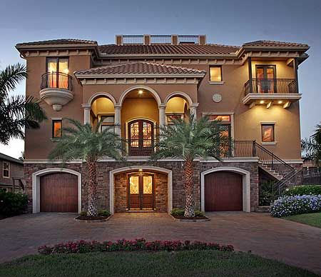 Best 25 mediterranean house exterior ideas on pinterest for Luxury mediterranean home plans