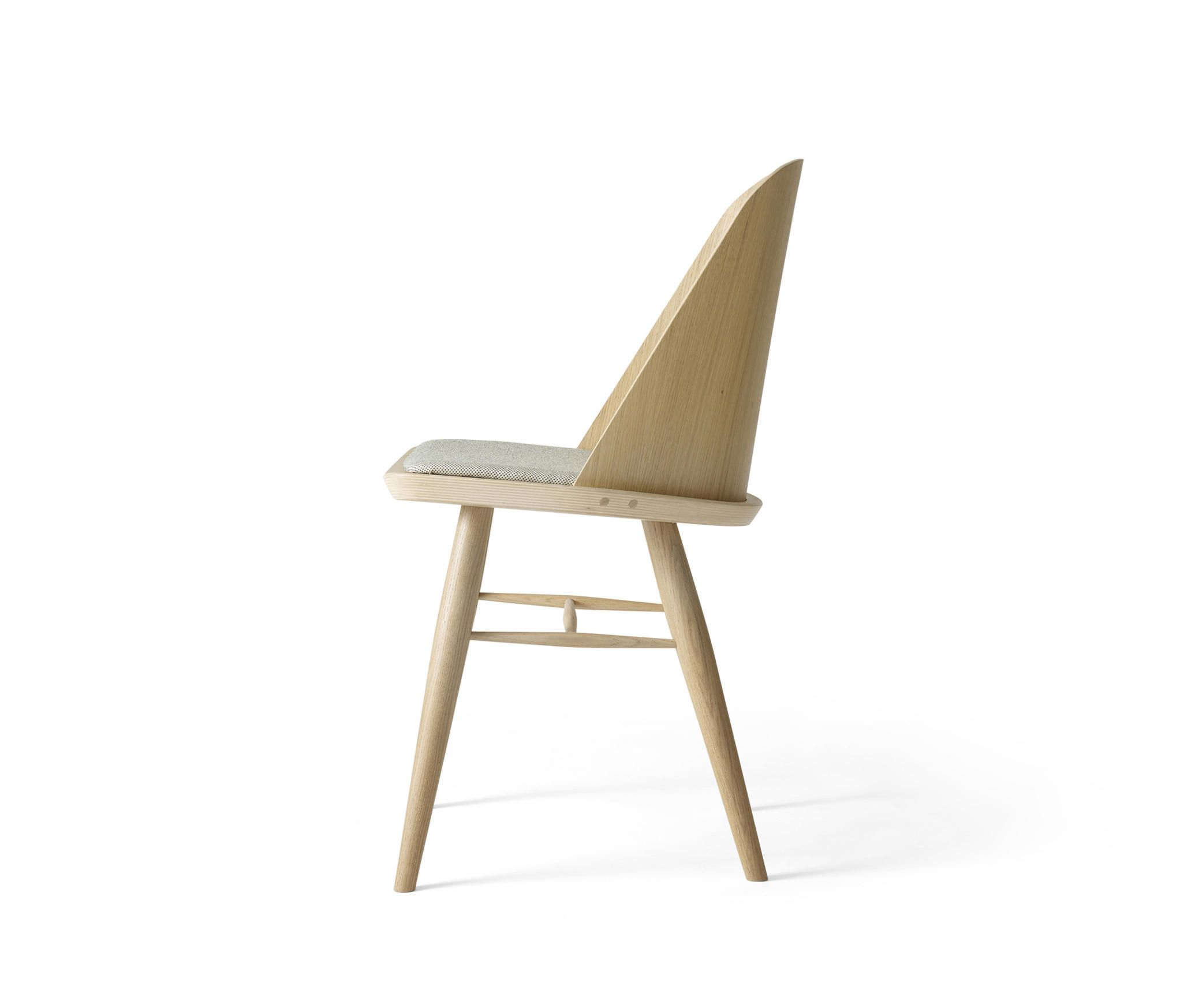 Synnes Dining Chair, Natural Oak/White Melange By MENU | Restaurant Chairs