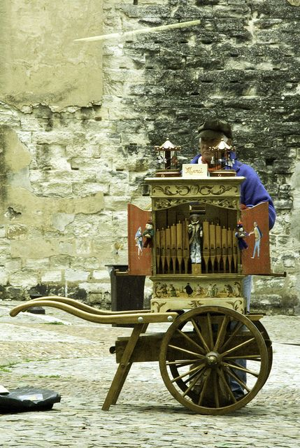 Avignon .. man with portable puppet theater by Martin Knestrick, via Flickr