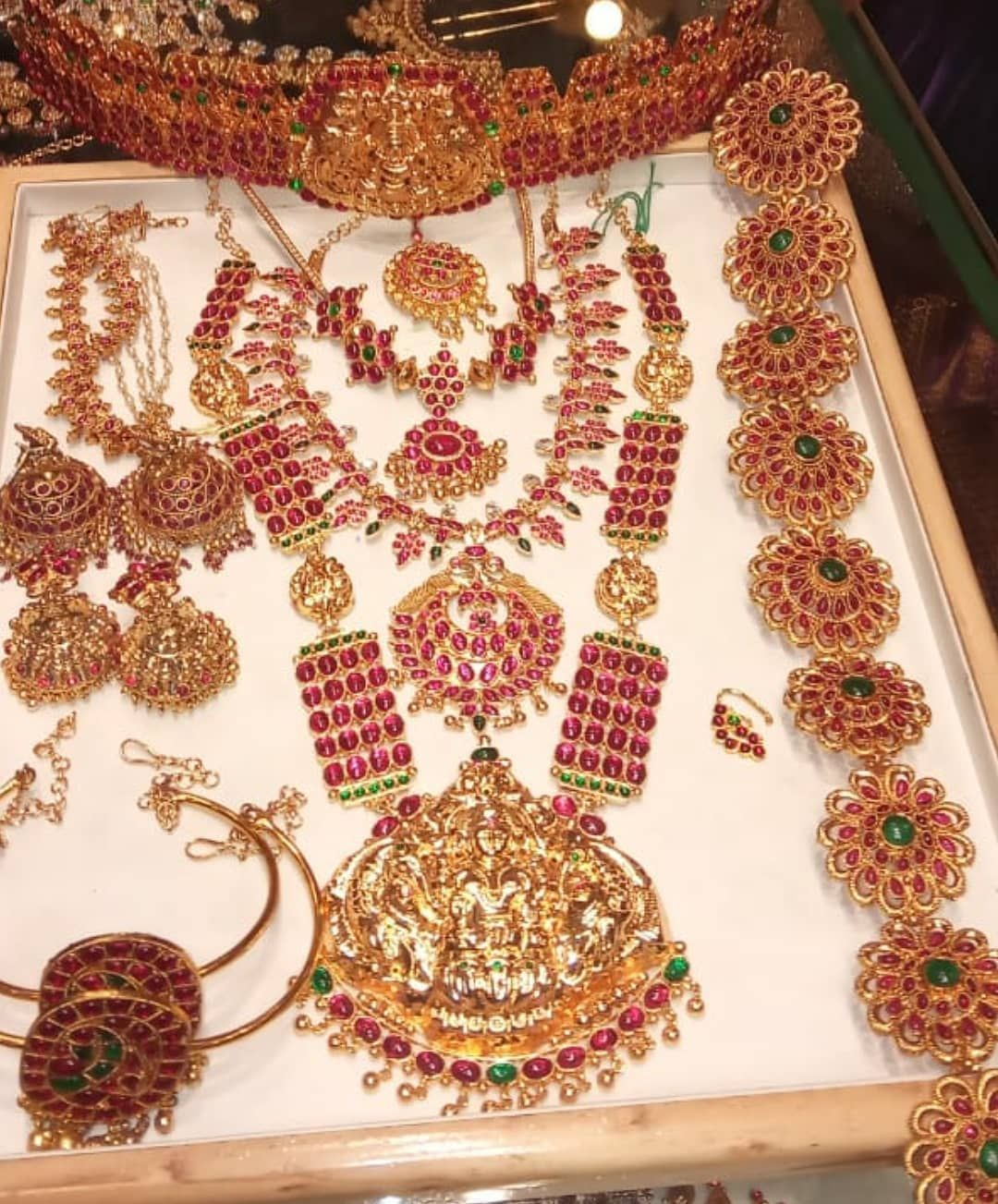 Vivah Bridal Collections On Instagram Traditional Kemp Bridal Silver Jewellery For Hire Perfect Bridal Jewelry Collection Bridal Jewelery Bridal Jewelry