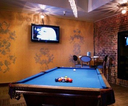Blue Cue   Pool Table And TV   Sacramento, CA