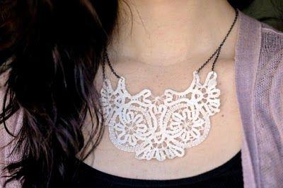 DIY Vintage Doily Necklace +++GARGANTILLA COLLAR MANUALIDAD ENCAJE FACIL BONITO LINDO BLANCO REUTILIZAR ROMANTICO