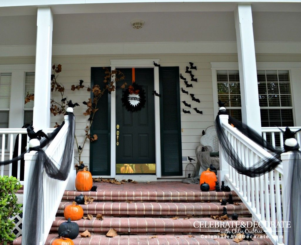 Halloween Front Porch Decoration with Black Crows Front porch - Front Door Halloween Decoration Ideas