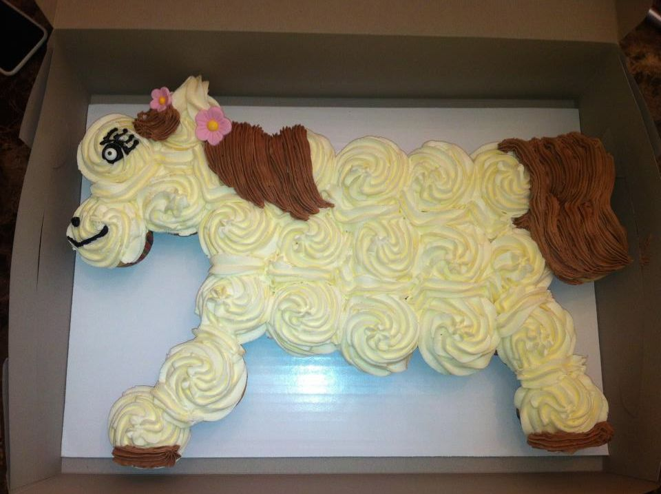 HORSE CUPCAKE CAKE Cakes by ME Pinterest Cake Cup cakes and