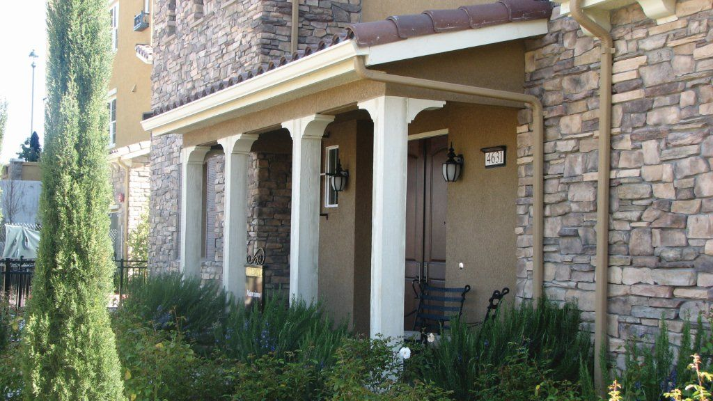 Corbels On Squared Columns Front Porch Porch Corbels