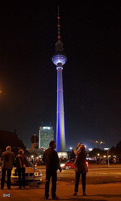 Der Fernsehturm Bei Nacht Fernsehturm Berlin Berlin Heute