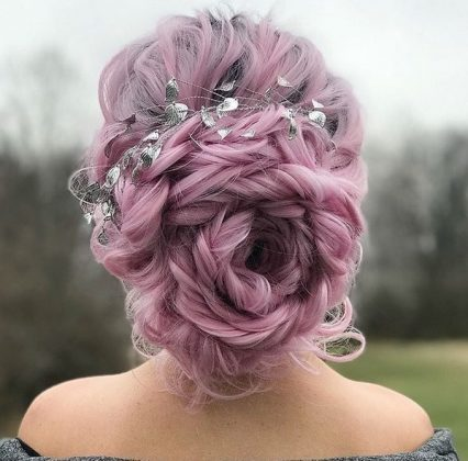 Do You Want To Shine On New Year S Eve Christmas And New Year S Hairstyles 2021 In Our P In 2020 Holiday Hair Accessories Hair Accessories Pictures Holiday Hairstyles