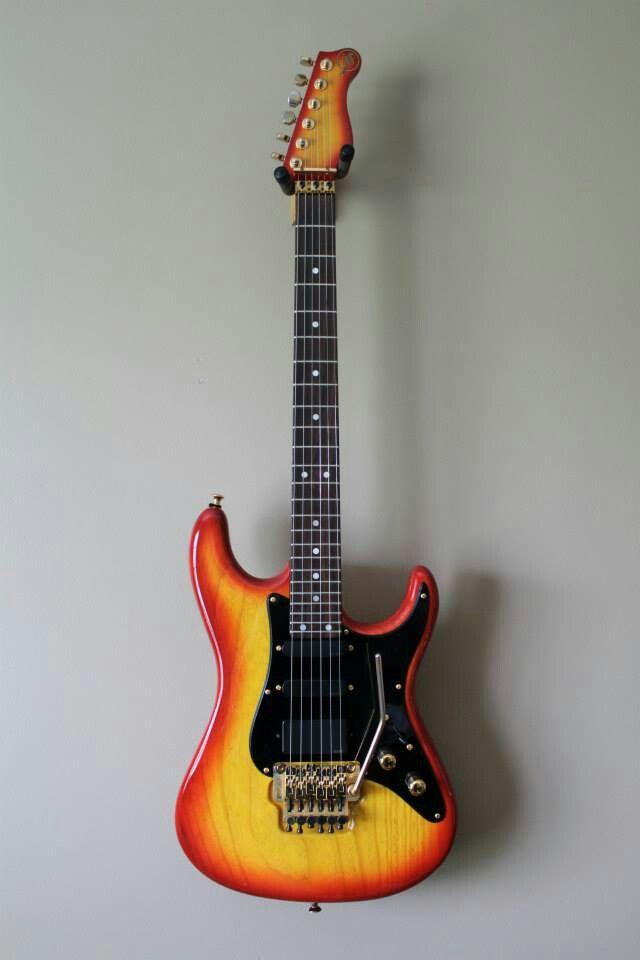 valley arts guitar custom pro steve lukather guitar art guitar fender guitars classical guitar. Black Bedroom Furniture Sets. Home Design Ideas