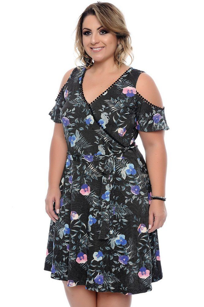 574f7d3f1c DESCRIÇÃO Vestido Plus Size Ronélia. Vestido midi composto por viscolycra