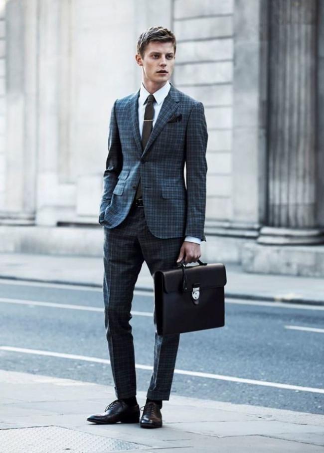 Gucci da la bienvenida al otoño con un lookbook tailoring muy apetecible