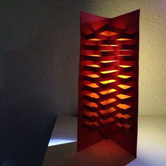 Hubbardton Forge Vela: Estructura Plegable De Papel Con Varios Ejes De Simetría