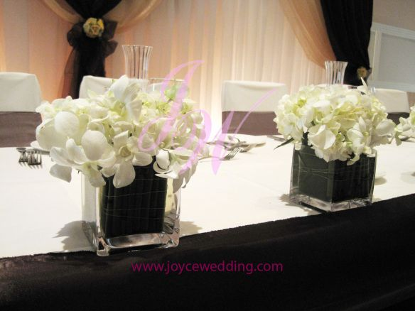 Small Centerpieces For Round Tables : Lovely short centerpiece square vase white orchid