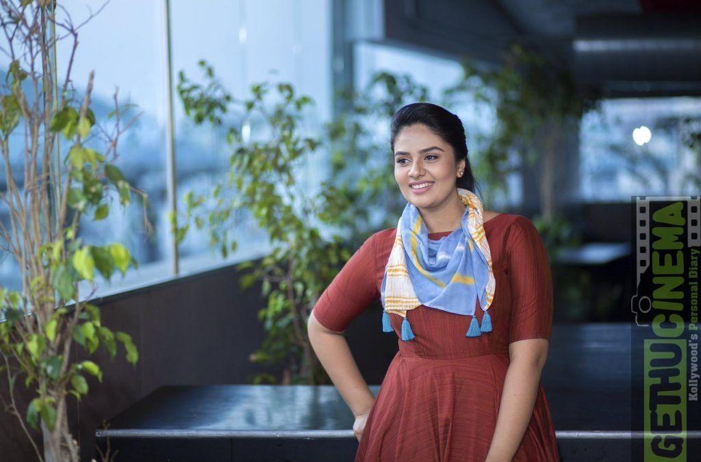 Actress Sreemukhi 2017 Latest HD Photo Shoot - Gethu Cinema - #actress #cinema #gethu #Latest #Photo #shoot #sreemukhi