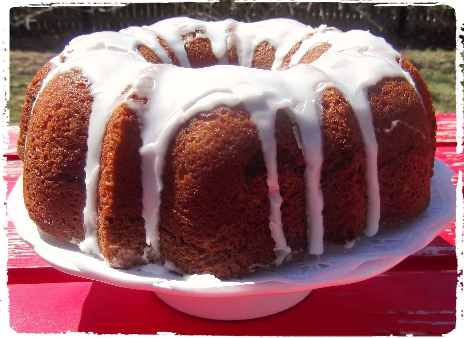 I Found This Coffee Cake Recipe On The Back Of Duncan Hines Moist Deluxe Butter Recipe Golden Cake Mix Coffee Cake Recipes Coffee Cake Boxed Cake Mixes Recipes