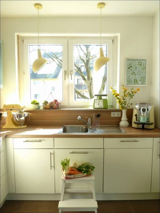 Küchenideen Mit Dachschräge | Küchenunterschrank, Tapete ...