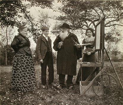 Camille Pissarro en 1897 (67 ans) dans son Jardin à Eragny avec sa femme, son fils Paul-Emile et sa Fille Jeanne