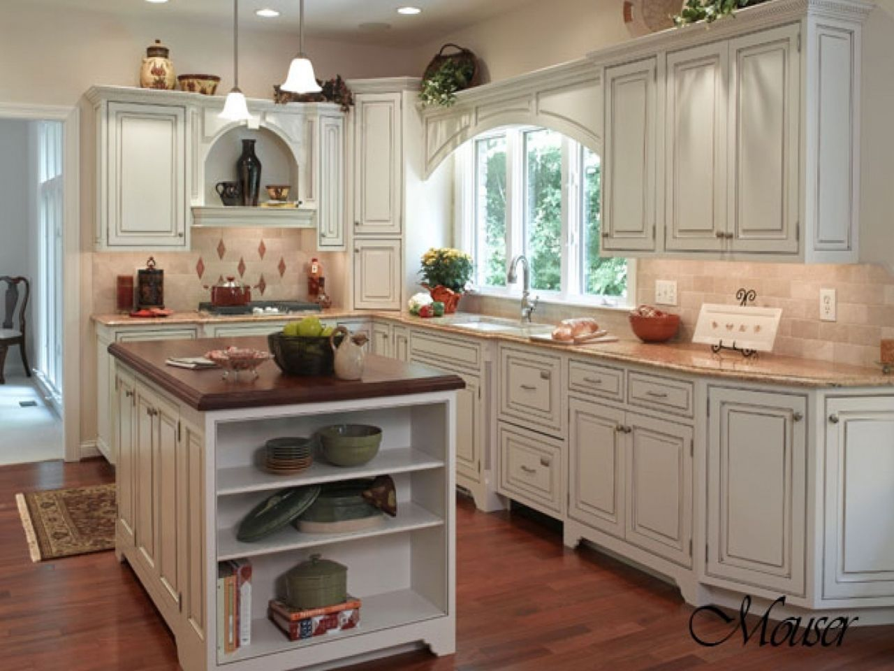 Modern Country Kitchen With Oak Cabinets Country Kitchen Design With White Oak Cabinets In L Shaped Layout