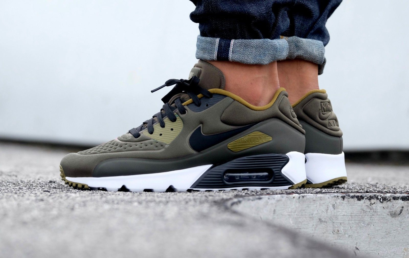 Nike Air Max 90 Ultra Special Edition Cargo Khaki BlackOlive FlakWhite