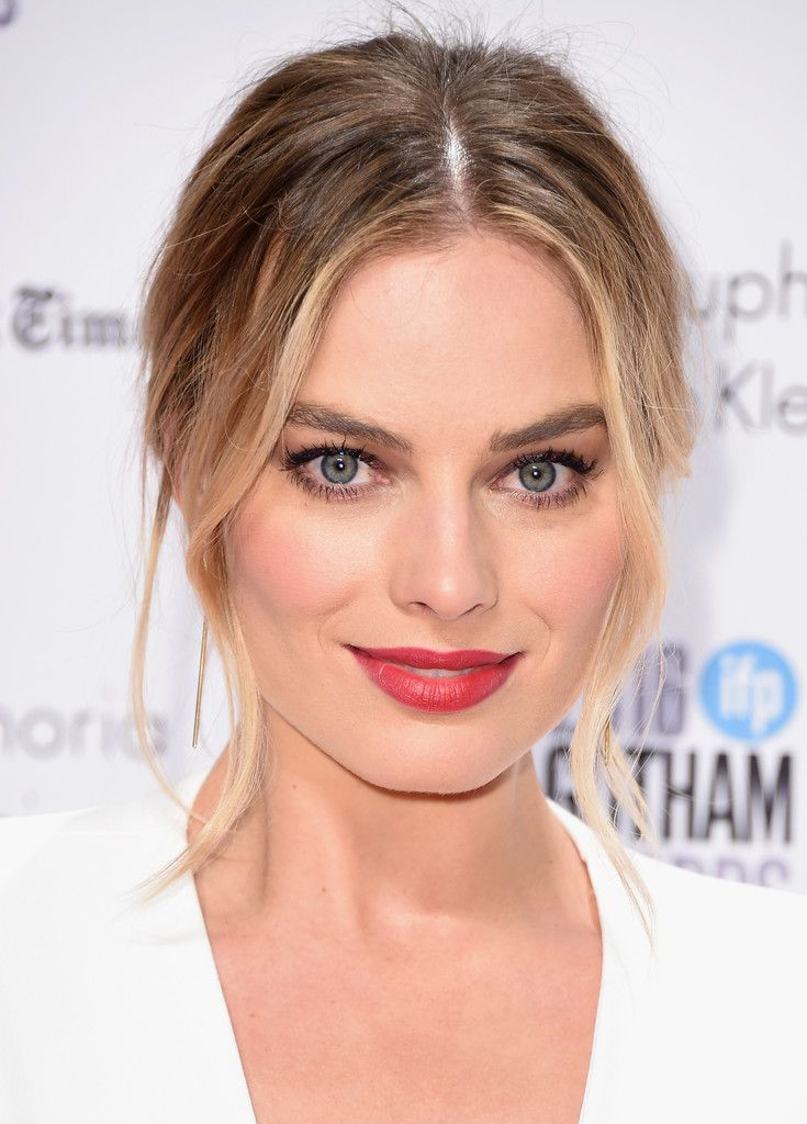 Margot Robbie Red Lipstick Margot robbie, Red lipsticks and Lips - sch ller k chen gala