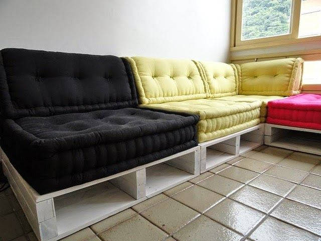 Pallet Sofa Bed Easy Diy Outdoor Furniture Painted Shabby Chic Woodworking Projects