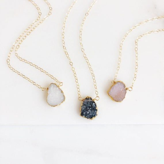 Simple Druzy Necklace. Druzy Quartz Necklace. Gemstone Slice Necklace. Gold Necklace. Dainty Druzy N #quartznecklace
